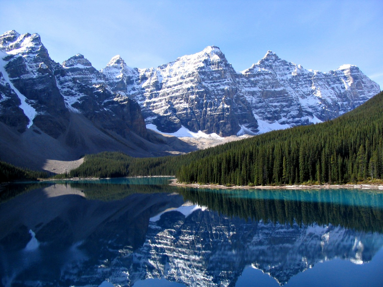 Moraine lake, Banff National Park. So beautiful!