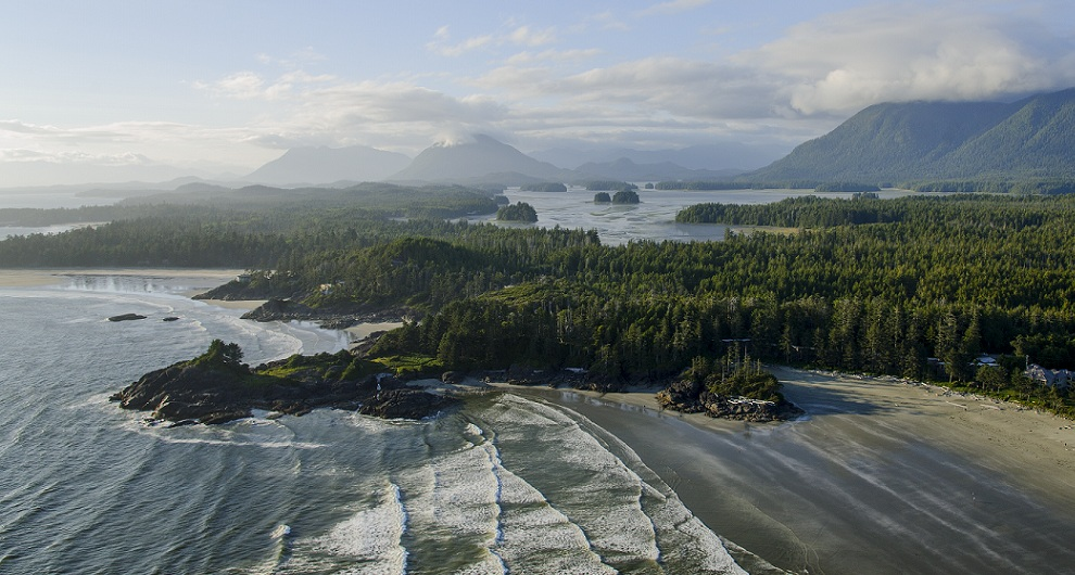 Cox Bay beach, Tofino, BC, Canada.Photo: Hubert Kang