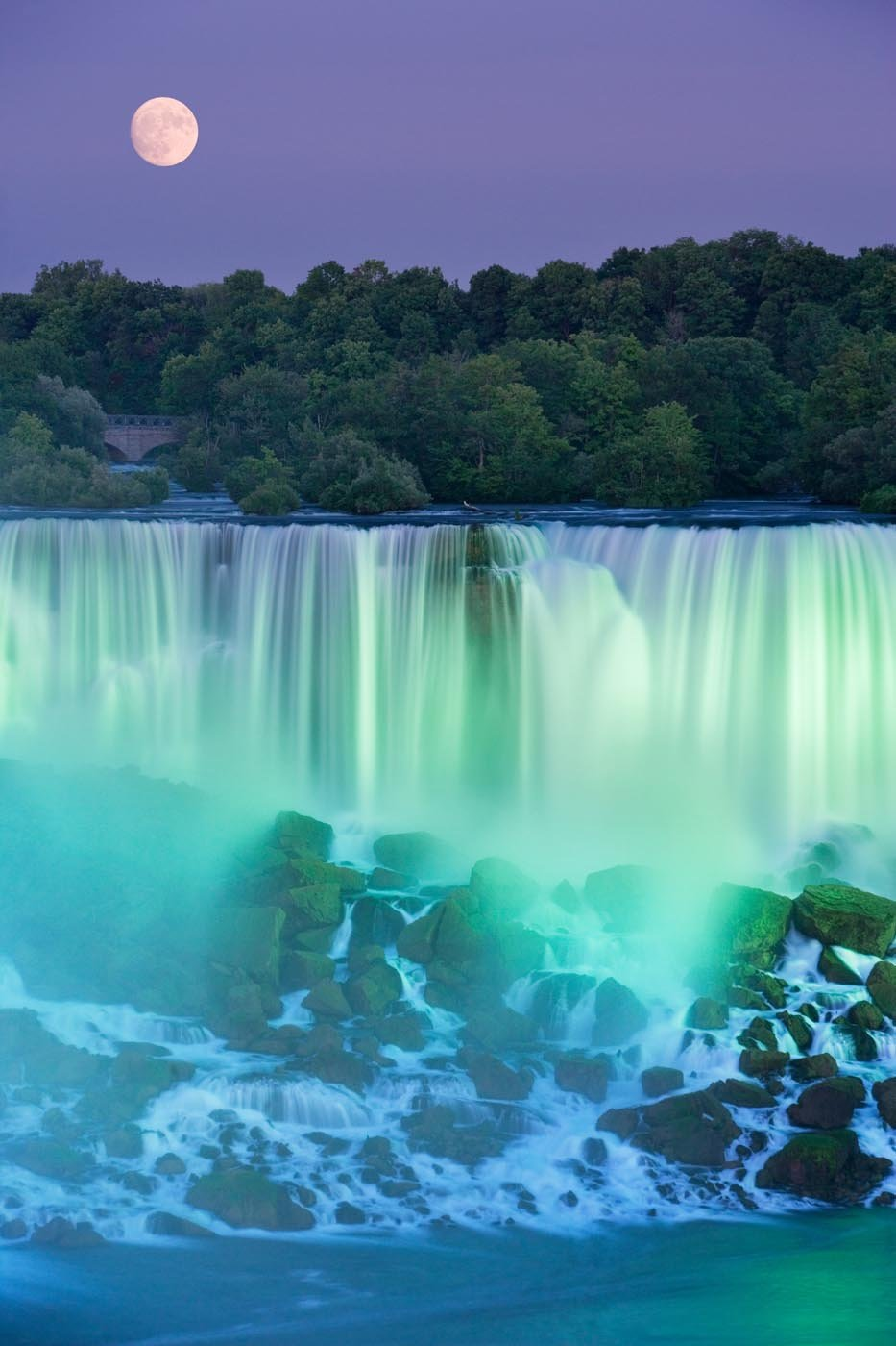 The American Falls, near Niagara Falls, Canada