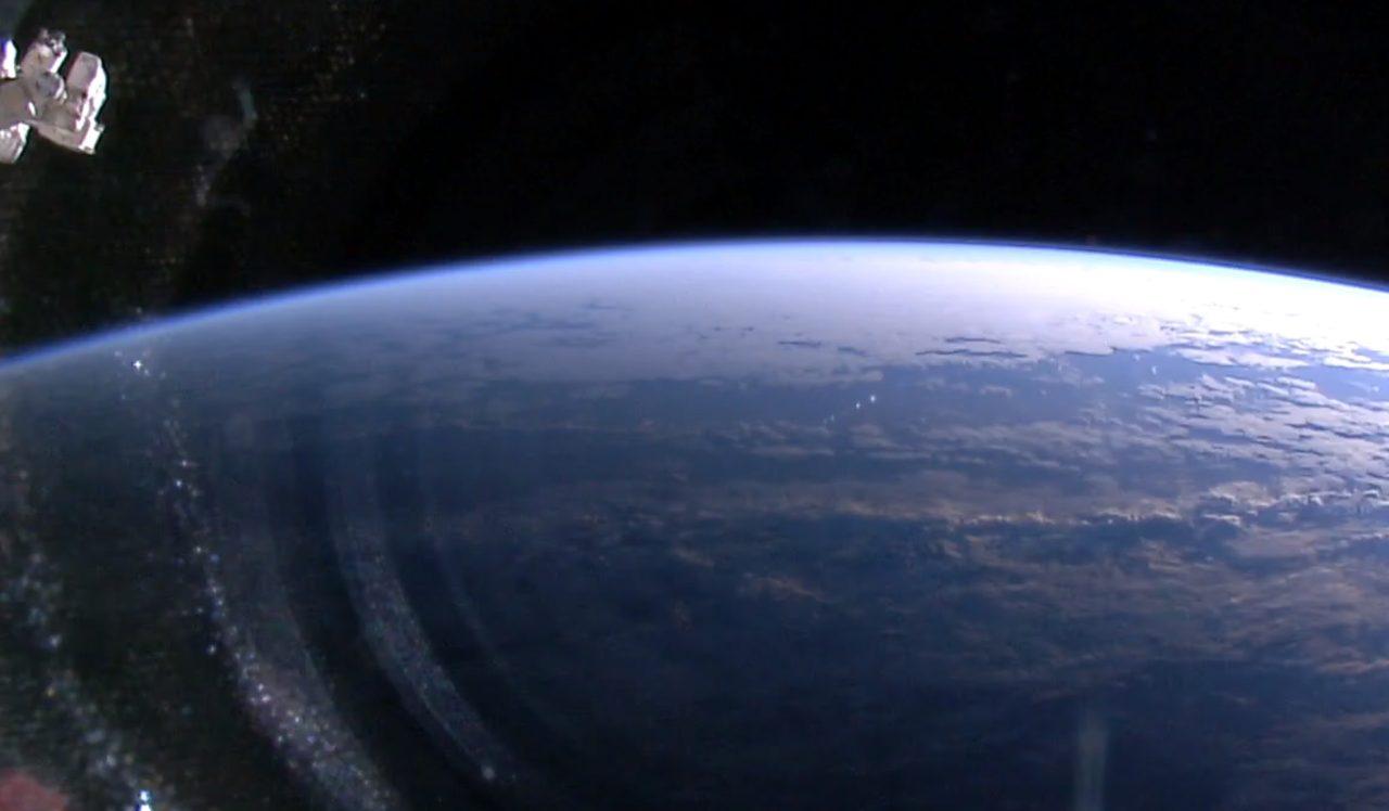 Découvrez de superbes images de la Terre vue depuis l'espace en direct !