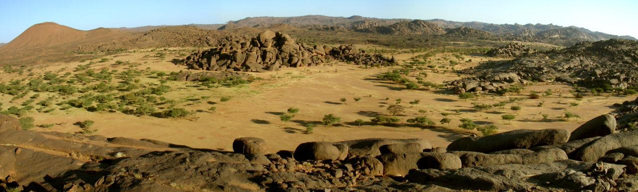 Alentours du volcan Izzeguerit, sur le Bagzane, Niger
