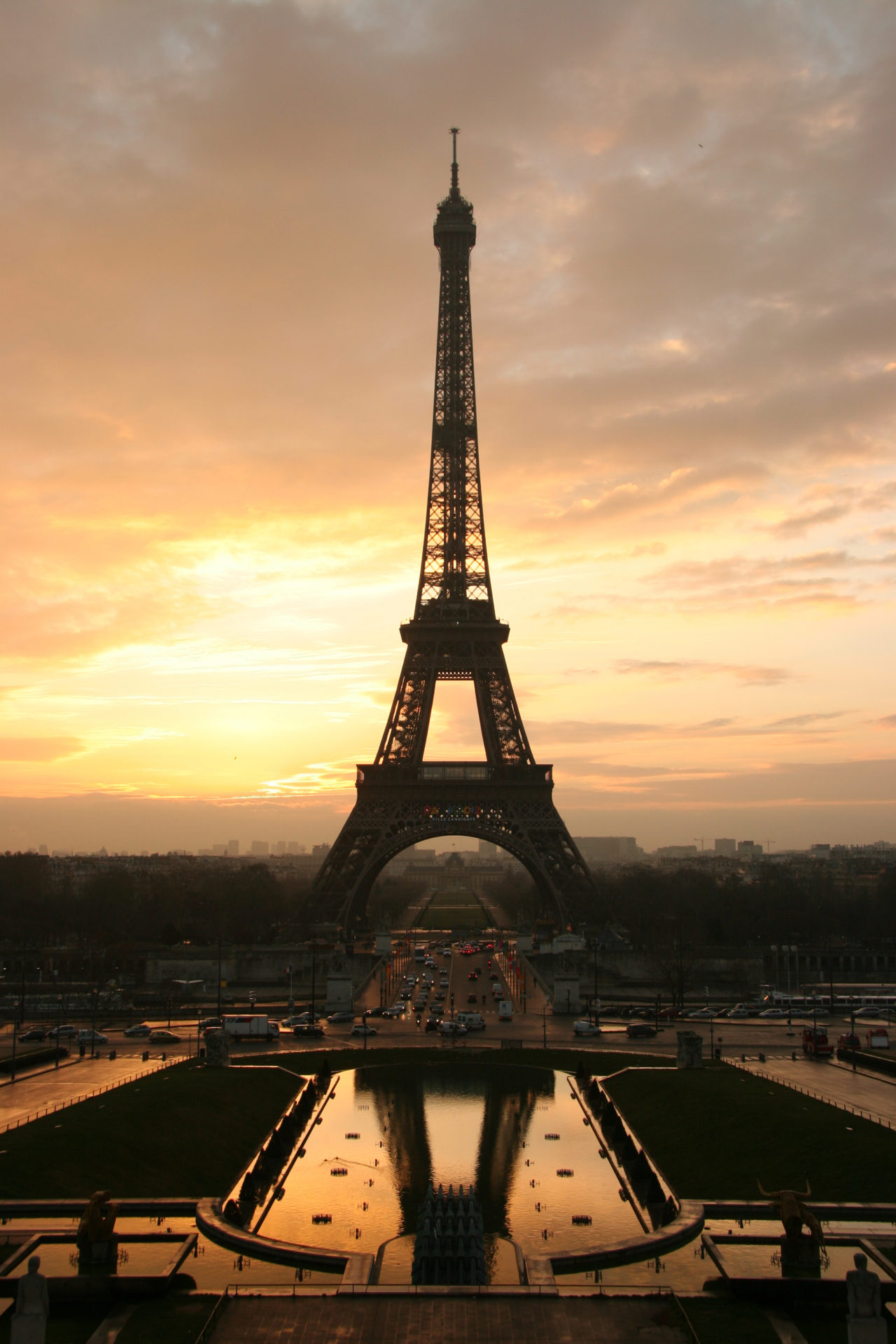 Eiffel Tower – Most Beautiful Picture of the Day: April 18, 2017 – Most Beautiful Picture