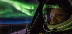 Vol au milieu des aurores polaires – Aurores Boréales