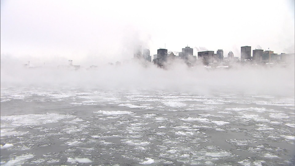 The St. Lawrence River in front of Montreal on a very cold day