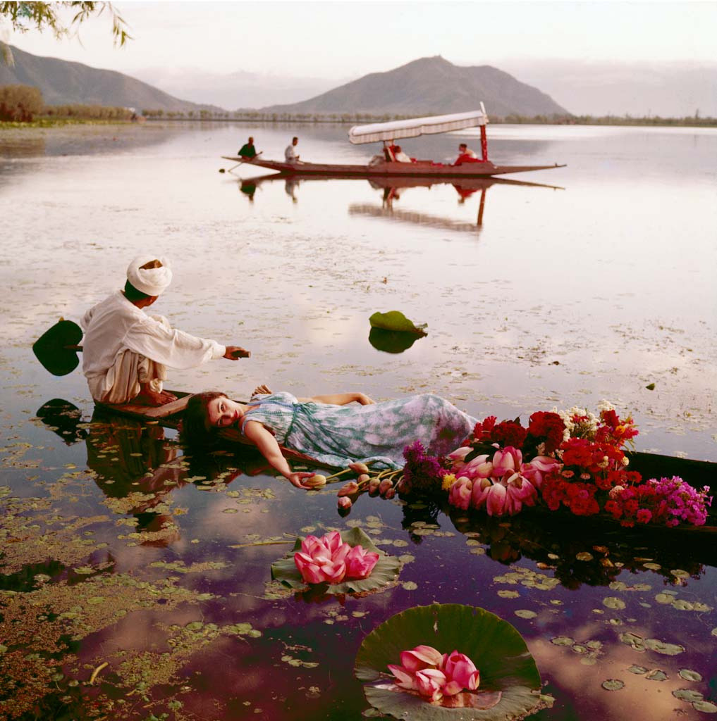 Floating with Flowers, Dal Lake, Kashmir, 1956 – Most Beautiful Picture