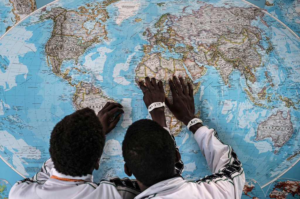 272 millions de migrants internationaux en 2019 • PopulationData.net