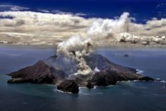 Volcano Whakaari / White Island, New Zealand, 321 m | OutdoorMountain