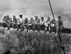 Lunch atop a Skyscraper, New York, 1932 – Most Beautiful Picture